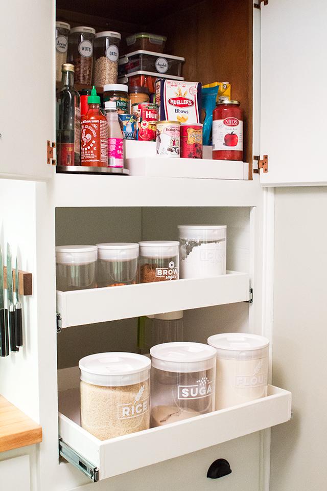 sarah hearts small pantry organization. Black Bedroom Furniture Sets. Home Design Ideas