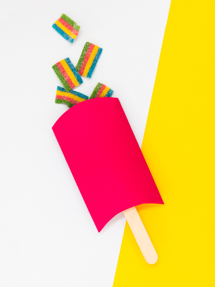 Create pillow boxes that look like popsicles! Such a perfect idea for summer party favors!